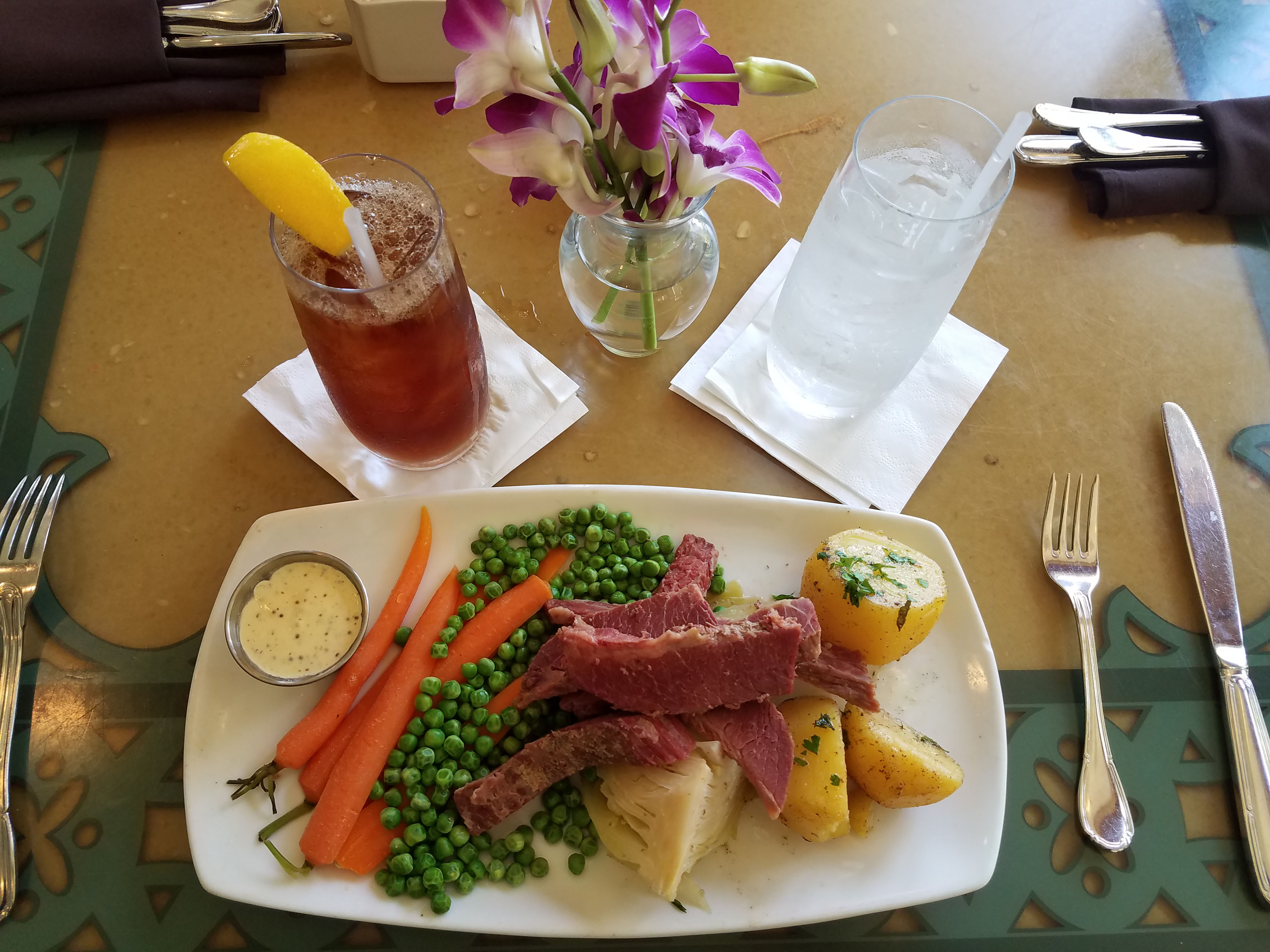 st. patrick's day meal corned beef and cabbage