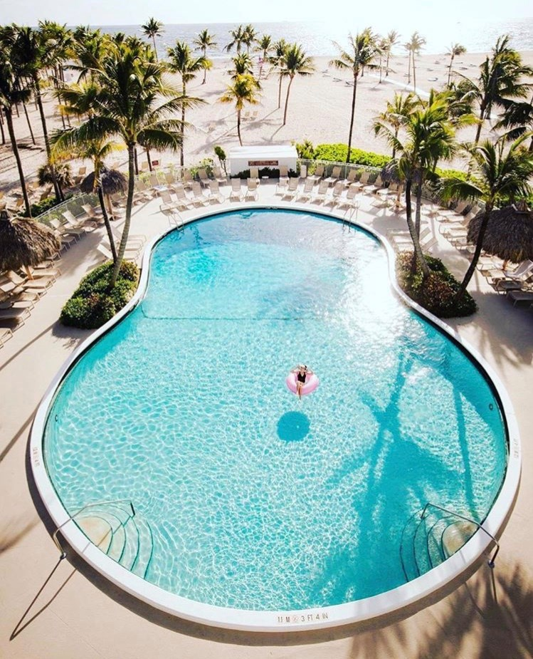 beach pool lago mar fort lauderdale